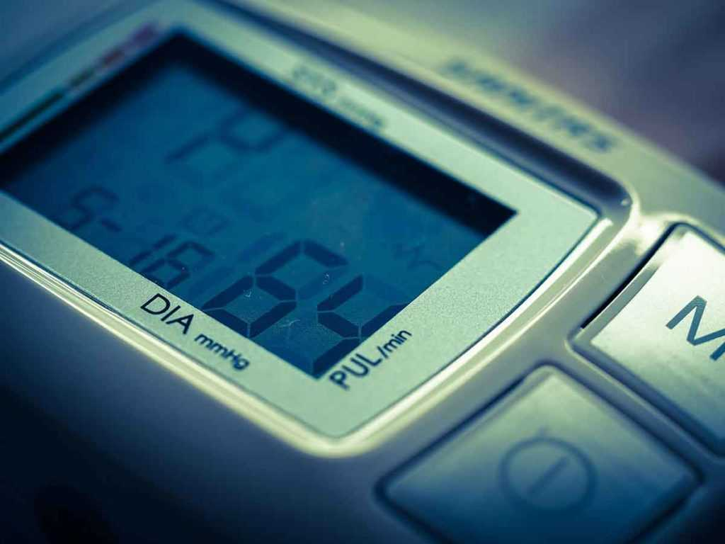 Bluthochdruck Blutdruckmessgerät Altenpflege Krankenpflege