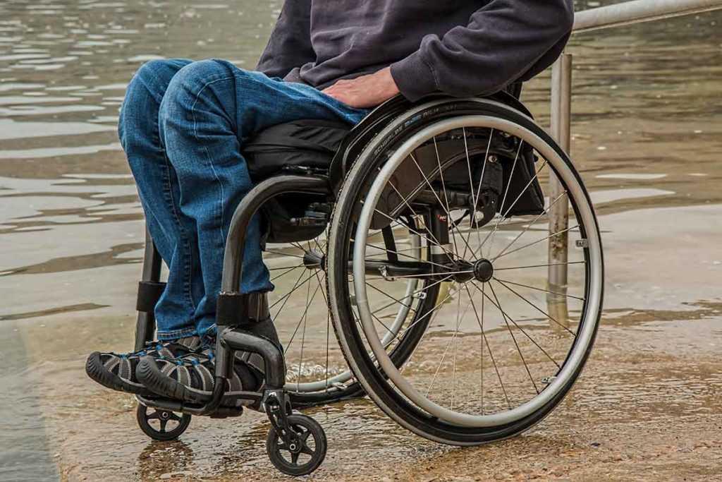Rollstuhl Altenpflege Krankenpflege